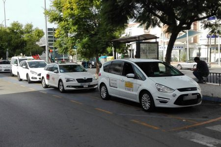 Nerja-taxis-bus-station