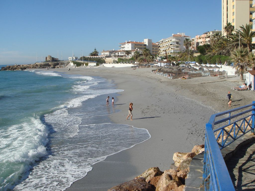 Location Location Location! Front line beach with all Nerja amenities to hand.