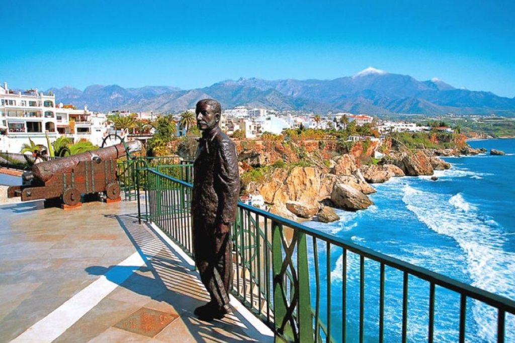Nerja – A Seaside Town Offering Fabulous Holidays